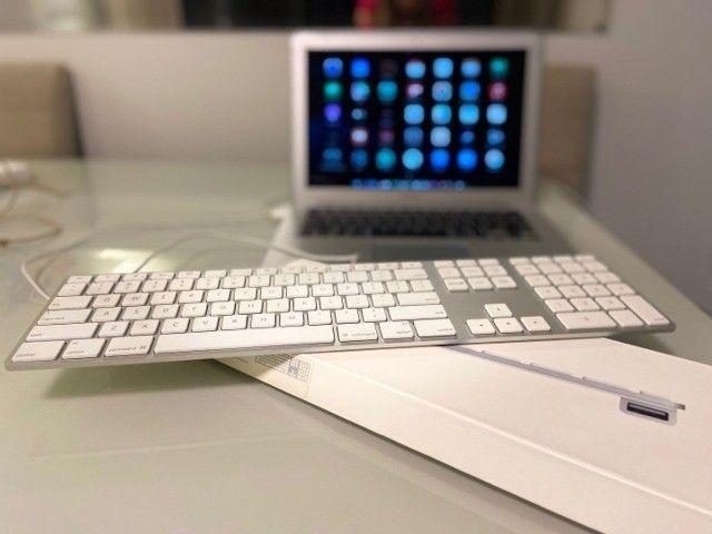 Teclado keyboard original apple mac modelo a1243, com fio e teclado numérico. fantástico! - Foto 2