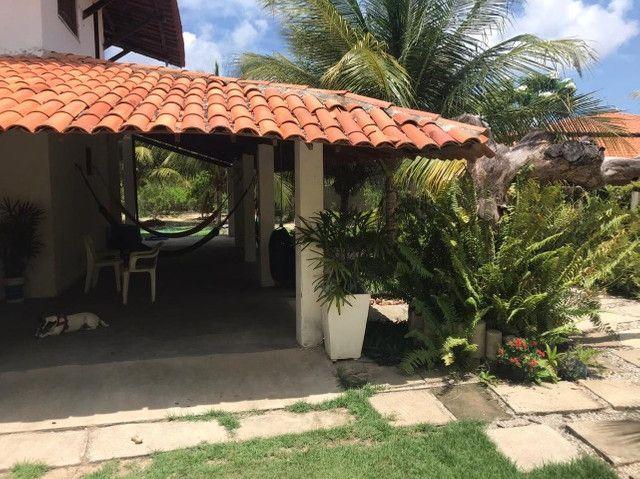 Casa duplex para venda tem 146m2 com 4 suítes próximo a praia da Caponga - Cascavel - CE - Foto 18