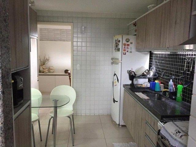 RB 079 Apartamento para venda possui 94 metros quadrados com 3 quartos em Casa Amarela - Foto 12