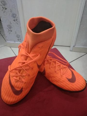 Chuteira Society Nike Mercurial Superfly 6 Academy Masculina - Laranja e  Preto 4310c26c36e4b