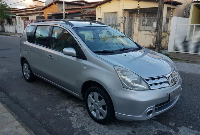 Livina SL automática 2012
