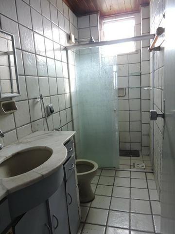 Apartamento com 3 Quartos para Alugar, 130 m² por R$ 800/Mês - Foto 15