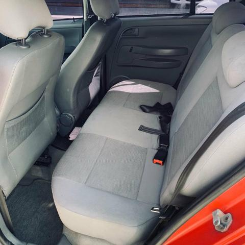 Volkswagen Fox 1.6 Completo R$ 14.990 - Foto 6