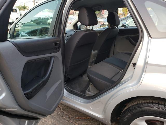 Focus Sedan Automático - Foto 18