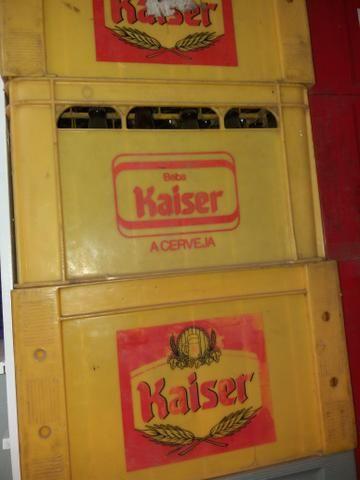 Vendo 100 vasilhames de cervejas de 600ml.vendo por unidade - Foto 2