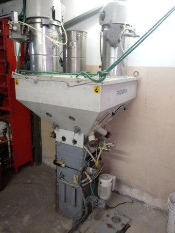 Dosador gravimetrico Piovan para até 4 tipos de materiais