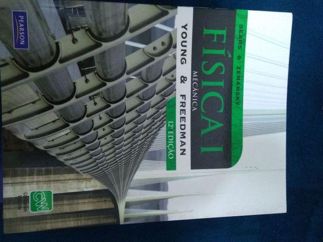 """Vendo livro """" Física I - mecânica"""""""