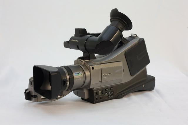 )- Câmera Profissional Panasonic 750x