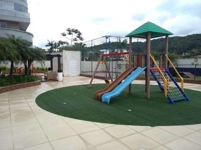 Lindo apto com 3 suítes, localizado numa das regiões mais bonita e valorizada de Joinville - Foto 18