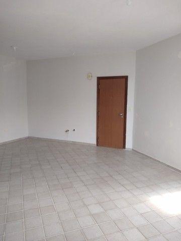 Vendo Excelente Apartamento de 3 quartos (suíte) - Rua Setúbal - Foto 10