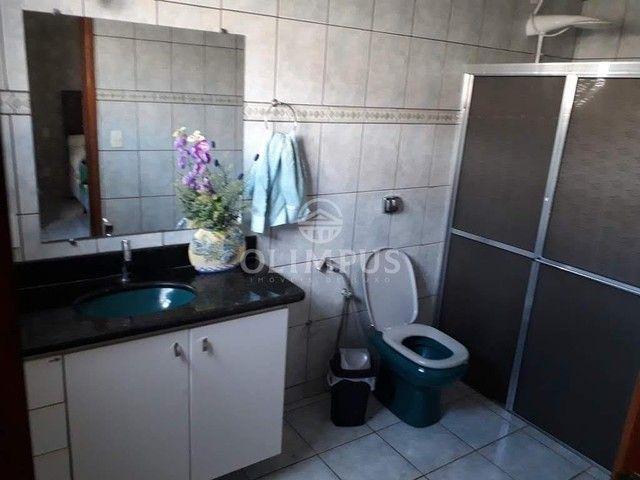 Excelente casa com 280m² de área privativa e 520m² de terreno, 4 quartos - Uberlândia/MG - Foto 8