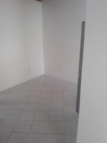 lindo três quartos 3/4 suite enorme Itapuã - Foto 9
