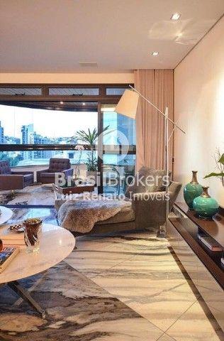 Apartamento 280 m², 4 quartos sendo 4 suítes, 4 vagas - Foto 4