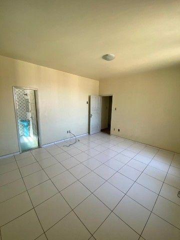 Apartamento com Cômodos Amplos. - Foto 6