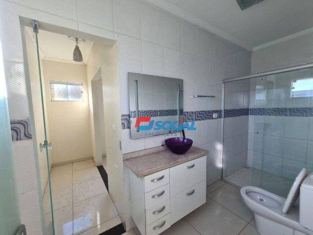 Sobrado com 5 dormitórios à venda, 300 m² por R$ 950.000,00 - Nossa Senhora das Graças - P - Foto 16