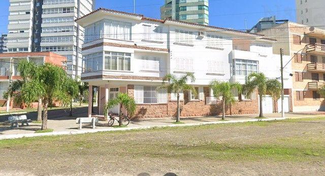 Apartamento 02 dormitórios a poucos metros do Mar