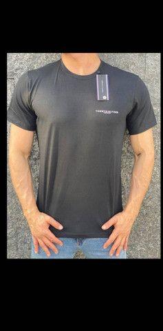 Camiseta Tommy Hilfiger  - Foto 2