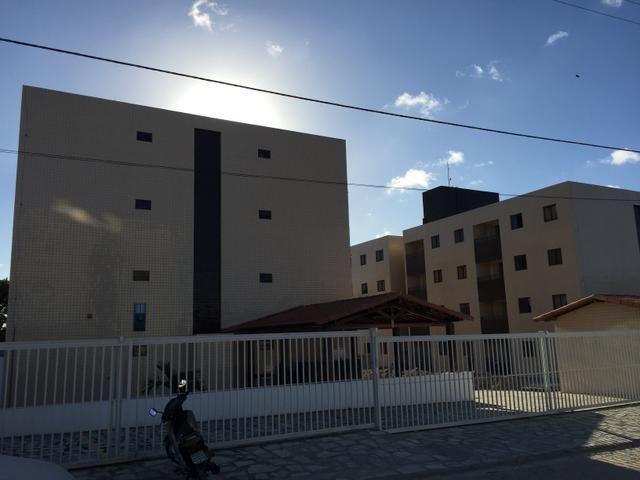 Apartamento no Valentina, 2qts, Varanda - R$ 118.500