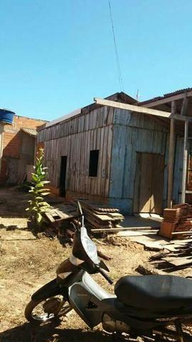 Aluga-se uma casa no Habitar Brasil