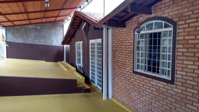 Samuel Pereira oferece: Casa Mansões Colorado Escriturada Churrasqueira 3 Quartos sendo 1
