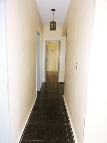 Apartamento com 3 Quartos para Alugar, 130 m² por R$ 800/Mês - Foto 6