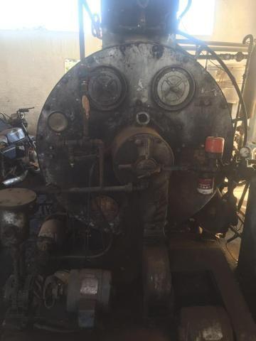 Caldeira a óleo 750 Kilos de vapor e uma Fornalha para lenha - Foto 2