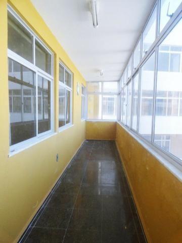 Apartamento com 3 Quartos para Alugar, 130 m² por R$ 800/Mês - Foto 5