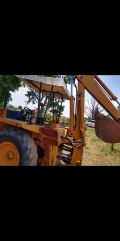Retroescavadeira 580 H - Foto 6