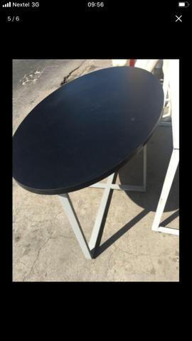 Mesa em MDF e laminado. Possui pés de metal. Ótima qualidade!!!! - Foto 4