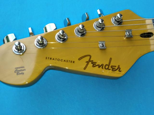 Fender Stratocaster CANHOTA - Foto 6