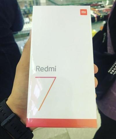 Celular Xiaomi Redmi 7 64GB 3RAM Versão Global Preto - Foto 2