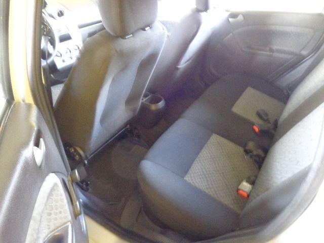 Fiesta Class 1.6 Completo - Foto 6