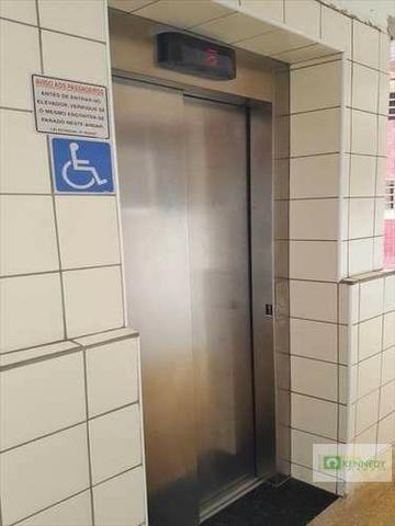 Venda um dormitório com elevador e vaga de garagem - Foto 6
