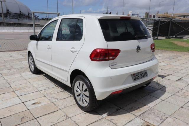 Volkswagen Fox 1.0 MPi Trendline 2016 - Foto 12