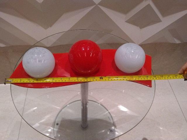 Centro de mesa bolas decorativas com suporte em vidro - Foto 4