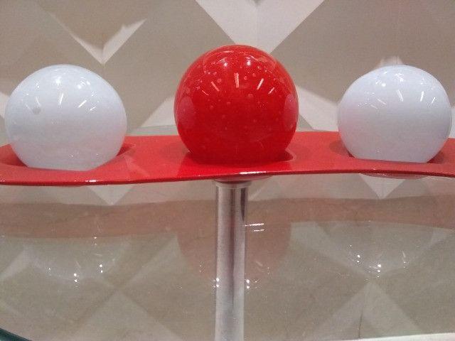 Centro de mesa bolas decorativas com suporte em vidro - Foto 2