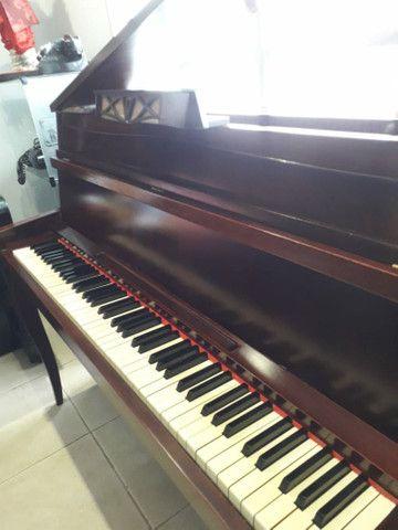 Piano alemão modelo apartamento