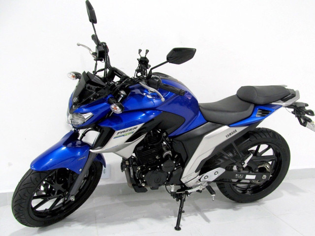 MOTO Yamaha fazer (entrada + boletos)