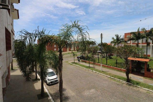 Apartamento 02 dormitórios a poucos metros do Mar - Foto 2