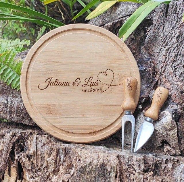 Kit para queijo em Bambu/ Inox - 3 peças Personalizado - Foto 2