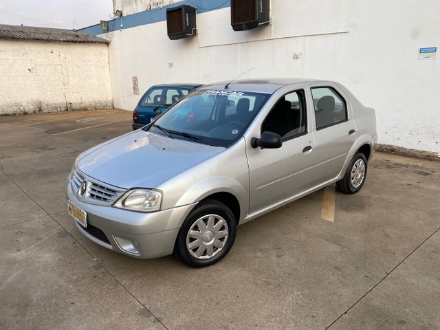 Renault  logan  1.0 impecável