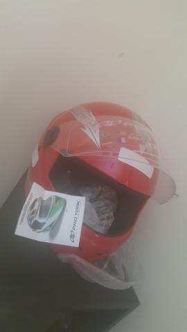 Capacete nunca usado novo 80 reais