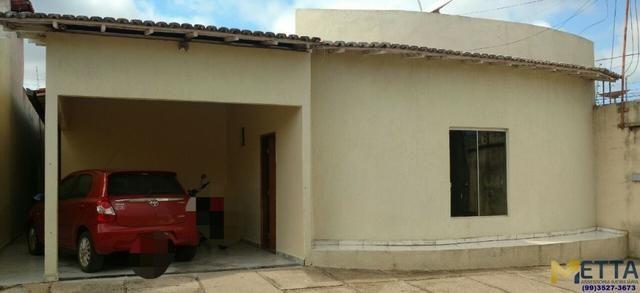 Vendo casa em condomínio fechado com seis unidades no Bairro Bacuri, próximo a Norsegel