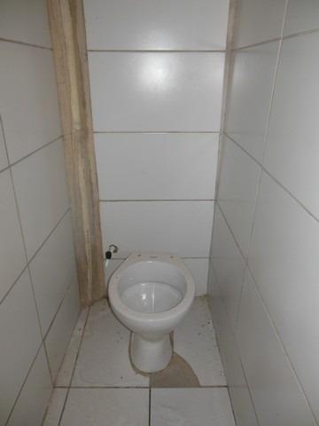 Casa com 1 Quarto para Alugar, 25 m² por R$ 400/Mês - Foto 9