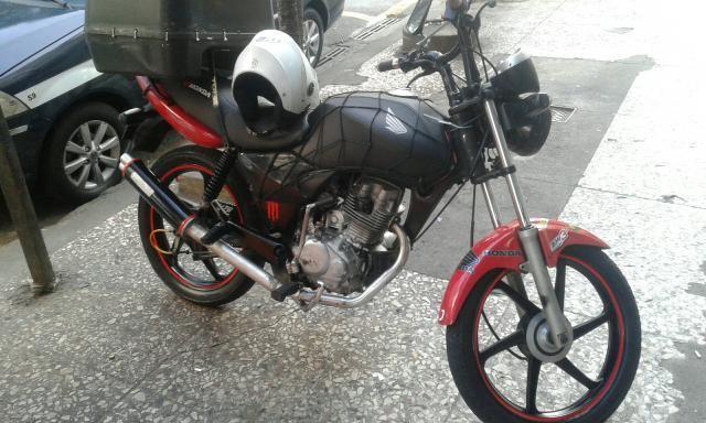 Troco moto em carro