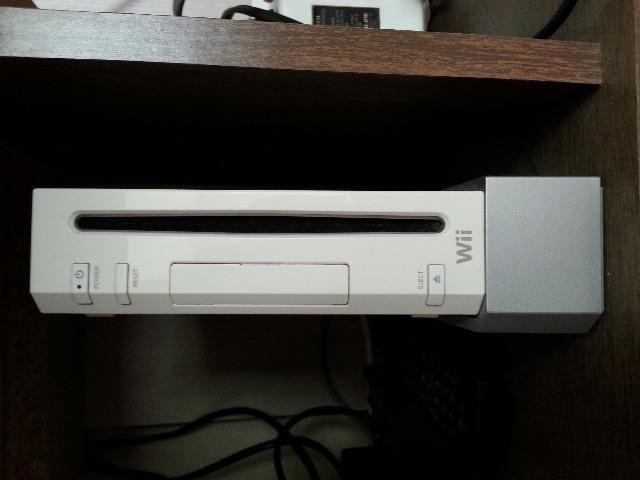 Vídeo game Wii com tv 20 polegadas
