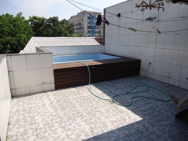 Excelente casa triplex com piscina - Foto 14