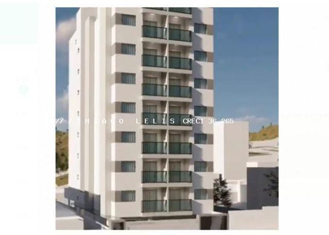 Apartamento de 2 Qtos varanda vaga e elevador em Bandeirantes