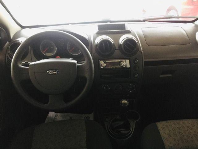 Fiesta 1.0 Rocam Sedan 8v Flex 4p m, 12/13 - Foto 4