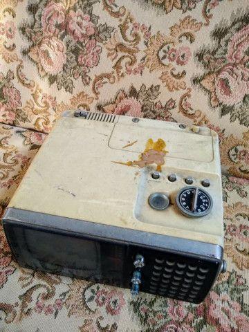 Televisão Portátil Antiga Crown  - Foto 3
